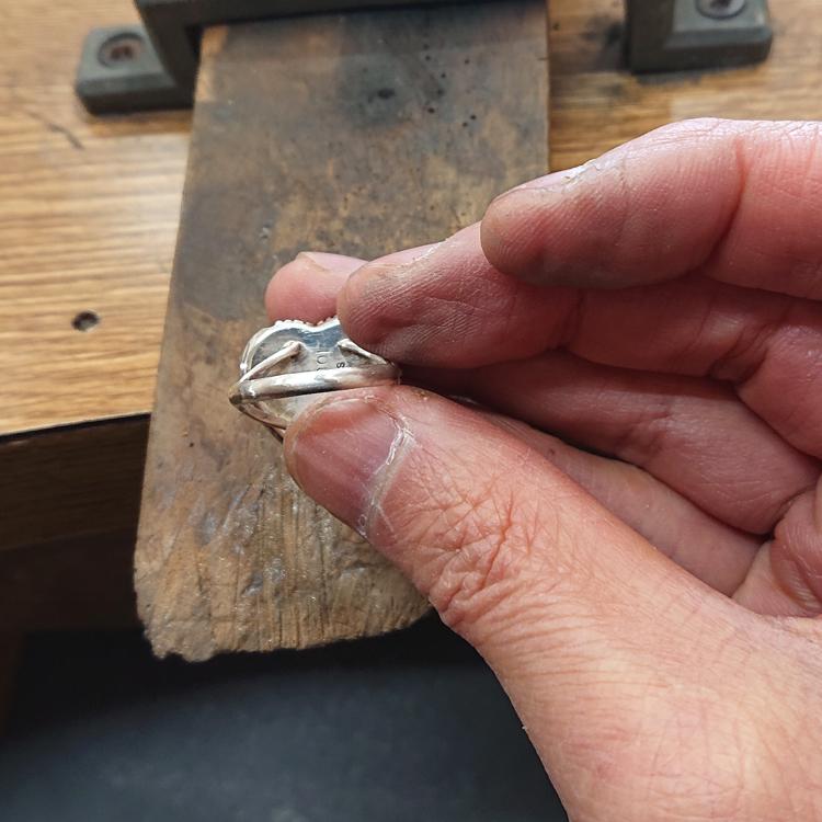 指輪のサイズ直し完了
